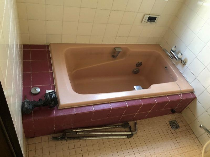 1.工事前の在来浴室の写真です