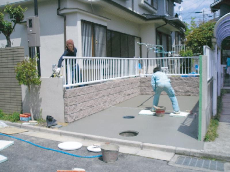 (工程写真3)  水勾配を取って、コンクリートを施工します