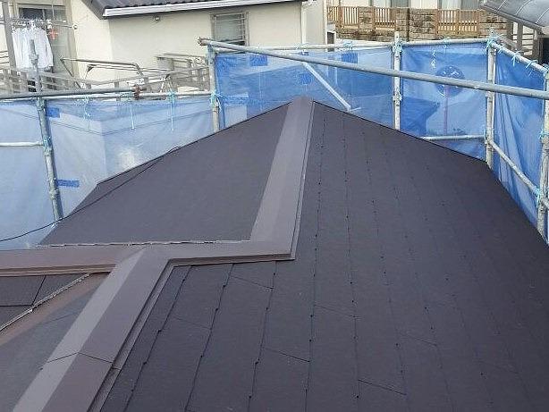 9新しい軽量屋根を施工し、屋根工事屋根改修工事の完成です(After)